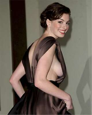 Anne Hathaway 8x10 Glossy Photo 16