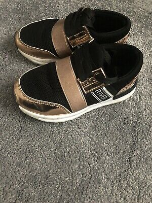 River island Girls Trainers Size 24 UK 7