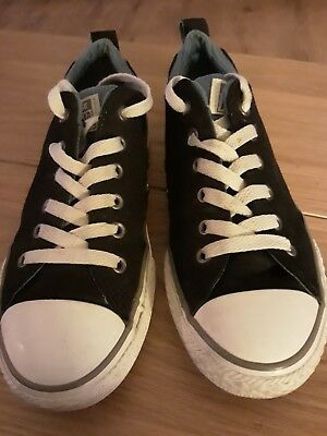 Converse Size 4.5.....In Good Used Condition....unisex......
