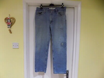 """LEVI'S, LEE & WRANGLER 34"""" INCH WAIST  x 4 PAIRS (MARKED OR STAINED WORK JEANS )"""