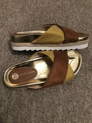 Ladies/girls River island Flatform Size 5 Brand New