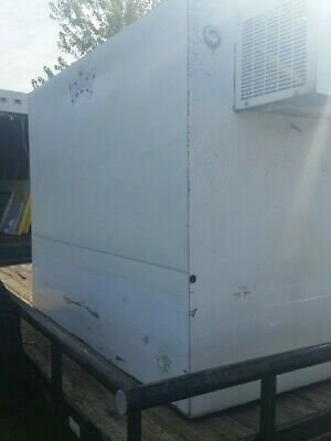 Used Leer Refrigerated Ice Freezer Transport. Bag Ice Freezer, 550 Bags