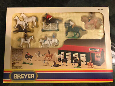 Vintage Sealed 1986 Toy Breyer Horse Stable Pine Lodge Riding School #9900