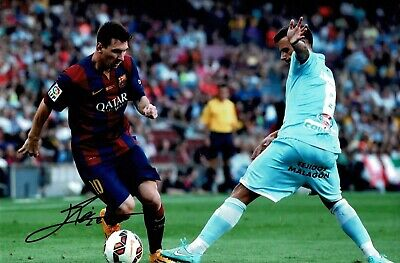 Lionel Messi Signed Barcelona 12 X 8 Photograph