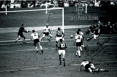 Martin Peters Signed 1966 World Cup Photo Scoring 12 X 8