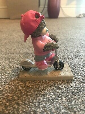 Me To You Tatty Teddy - Scooting Around Town figure #41020