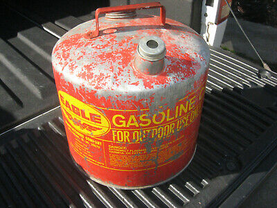 Vintage Red Gas Gasoline Can Eagle 5 Gallon Galvanized Metal Tank Model 505