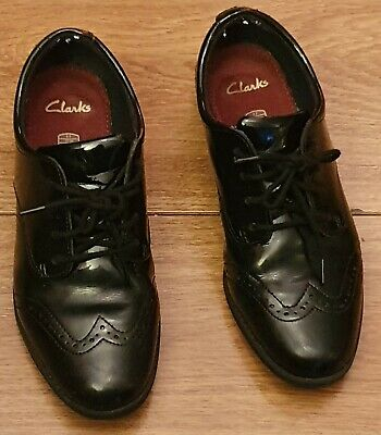Girls Black Patent Leather Clarks School Shoes In Size 4 4F Lace Up's