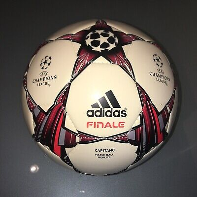 Uefa Champions League Capitano Finale Official Match Football Replica