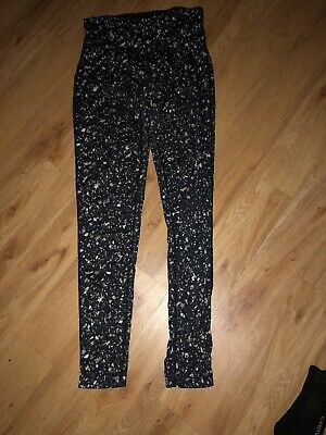 Womens Black And Grey Patterned Nike Leggings Size Small