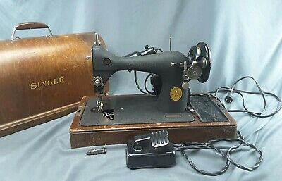 1946 Singer Sewing Machine #AG868697 Wood Box Beltdrive Foot Control Lamp- works