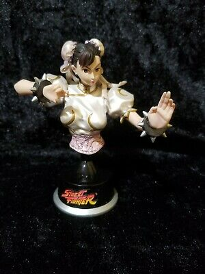 UDON Street Fighter II CHUN LI Bust  PEARL WHITE 21/250 CAPCOM FREE SHIPPING