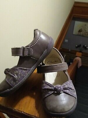 Infant Girls Purple Leather Shoes By Clarks Size 7F