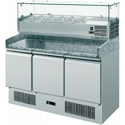 Refrigerated Saladette Am with Floor and Riser in Granite + Showcase - 3 Ports