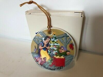 The Disney Collection Ornament  Christmas 1987 Snow White`s Surprise