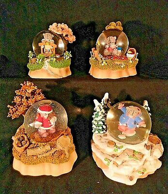 Me To You/Tatty Teddy Figurine/Ornament Seasonal Globe Collection - Boxed
