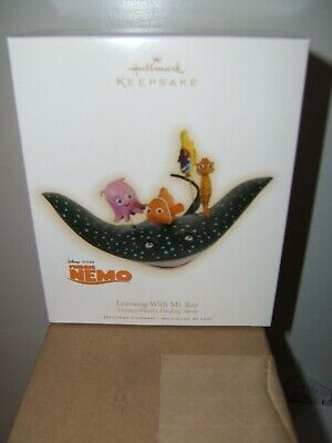 Hallmark Ornament 2009 Learning With Mr. Ray Disney Pixar Finding Nemo