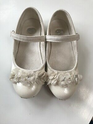 TU Ivory Girls Party Wedding Occasion Shoes Size 11 Flower Detail Velcro Fasten