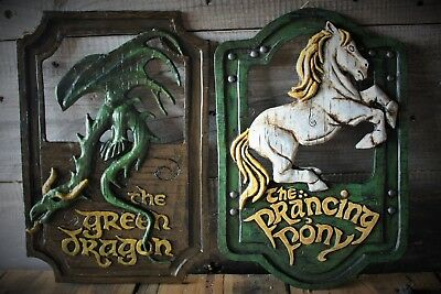 Lord of the Rings 'The Prancing Pony' and 'The Green Dragon' pub signs set