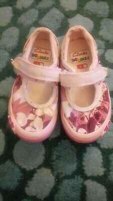 Clarks Doodles girls purple canvas casual trainers shoes size 6 F hook and loop