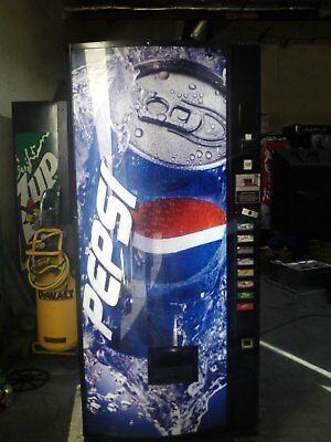 Pepsi Soda Vending Machine Dixie Narco Bubble Front 440-8 With Bill Acceptor