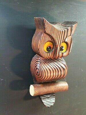 Vintage Wooden Hand Carved Folk Art Wall Hanging Owl 6.5 . 1.5 thick. Free ship