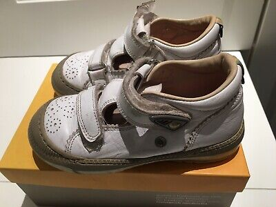 Girls RONDINELLA shoes size 25 UK 8 white 100% leather RRP £60.00
