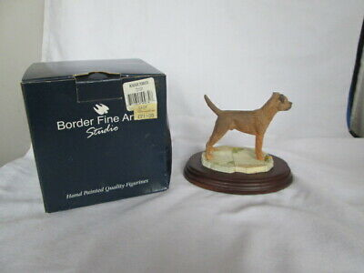 Border Fine Arts Border Terrier Dog Figurine Brown Best of Breed Vintage W/Box