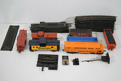 HO Scale Vintage Train Lot Santa Fe Engine w/ Cars Track Switches Untested