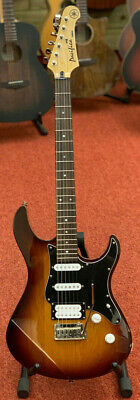 Yahama Pacifica 412V electric guitar with gig bag