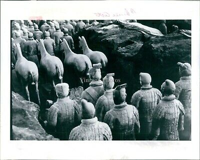 1983 Terra Cotta Figures Horses Warriors Xian Chinese Art Vintage Photo 8X10