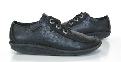 Ladies CLARKS Funny Dream Black Leather Lace up Shoes Size 4.5 D