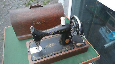 vintage sewing VINTAGE RETRO KITSCHHAND CRANKED SINGER SEWING MACHINE CASED