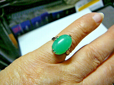 Beautiful Chinese antique green jadeite translucent jade ring on 18k white gold