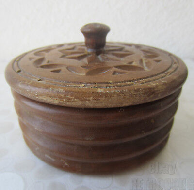 """antique vintage  hand carved oval  / round  wooden box, carving, 4.5"""" diameter"""