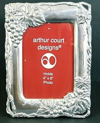 "Arthur Court Grape Picture Frame 2001 Holds 4"" x 6"" Picture"