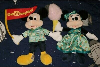 NEW Disney Parks 2020 Park Life Set Of 2 Mickey Mouse & Minnie Mouse Plush NWT