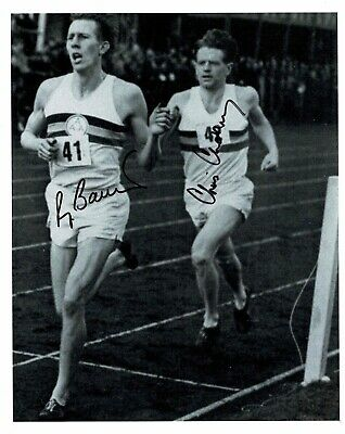 Roger bannister & Chris Chataway Signed 10 X 8 Photograph Breaking 4 min mile