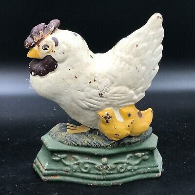 Vintage / Antique Old Cast Iron Chick Chick Hen With Chicks Door Stop