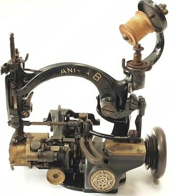 "Antigua maquina de coser ""Heinrich Grossman"" ""Anita B"" Sewing Machine for hats"