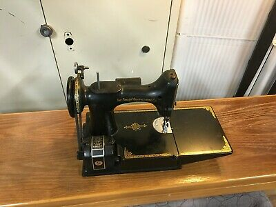 Vintage Singer Featherweight 221 Sewing Machine w/Case 1951 Serial# AK397275