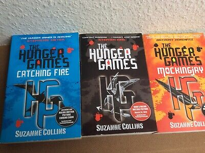 The Hunger Games Trilogy Set by Suzanne Collins (Paperback)