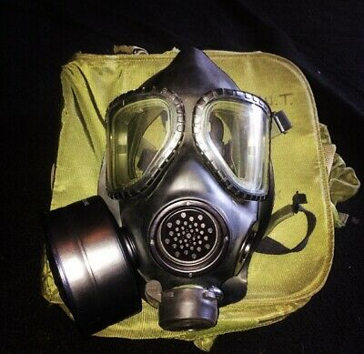 USGI MILITARY M-40 Gas Mask w/ Carrier and Canteen.  AUTHENTIC, Mint condition!