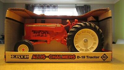 Allis Chalmers D 19 Diesel Special Edition  Diecast Tractor
