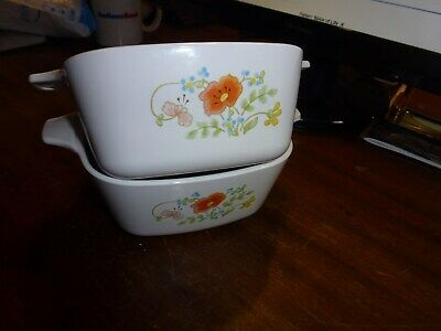 Two Corning Ware Spice of Life petite pans (P-43-B) 700 ml with plastic lids
