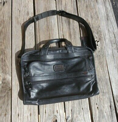 Tumi Black Leather Briefcase Messenger Laptop Computer Travel Bag W/Strap