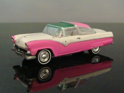 Classic 1955 55 Ford V-8 Fairlane Crown Victoria Skyliner 1/64 Scale Ltd Edit Q