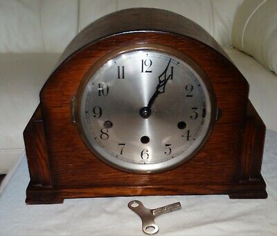 ART DECO WESTMINSTER STRIKING 8 DAY OAK CASED MANTLE CLOCK,WORKING ORDER c1930s.