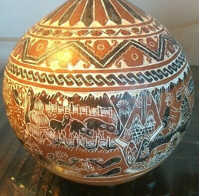 Vintage Peruvian hand painted and carved gourd 10.5 cm people and animals