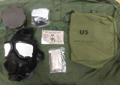 NEW U.S Military M40 Gas Mask With Bag - M/L